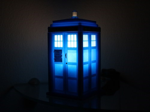 funny-doctor-who-tardis-night-light-cool-3d-printed