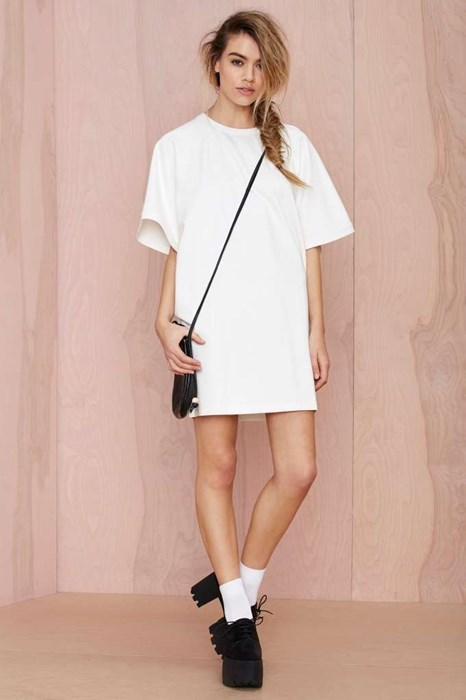 fashion-fail-this-big-white-t-shirt-costs-78