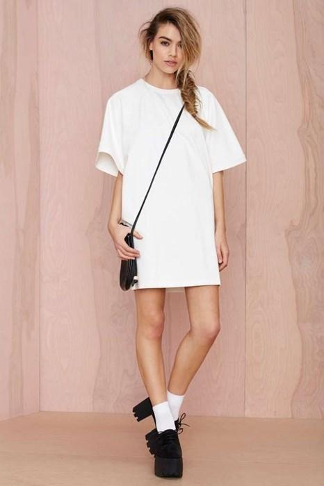 fashion-fail-this-big-white-t-shirt-costs-78