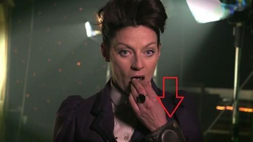 funny-doctor-who-missy-spoilers-vortex-manipulator