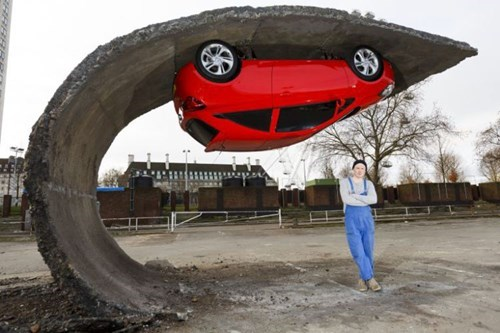 epic-win-pics-cars-sculpture-parking