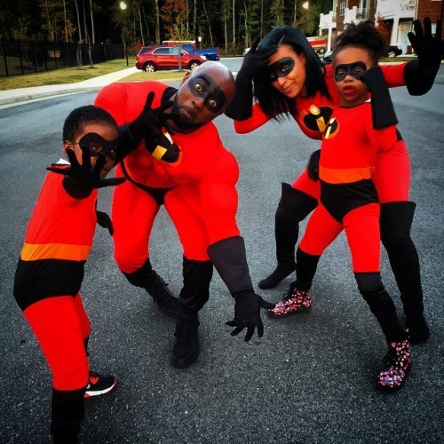 geeky cosplay the incredibles family