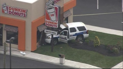 funny-police-fail-irony-doughnut-crash