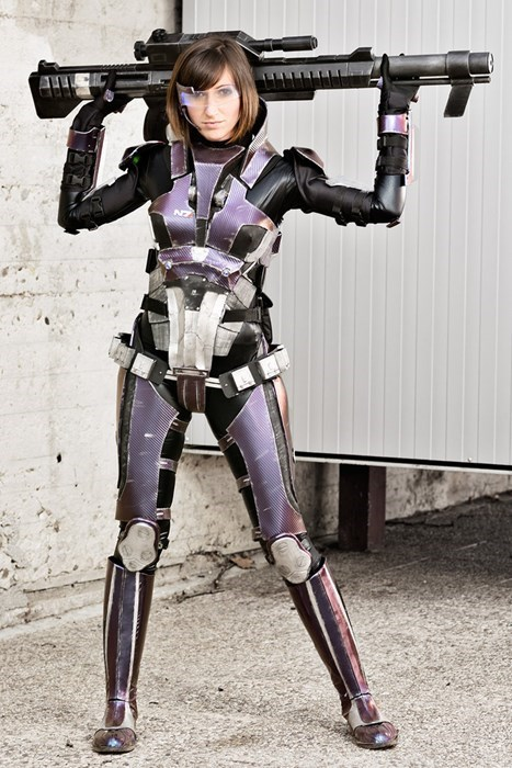geeky cosplay mass effect commander shepard