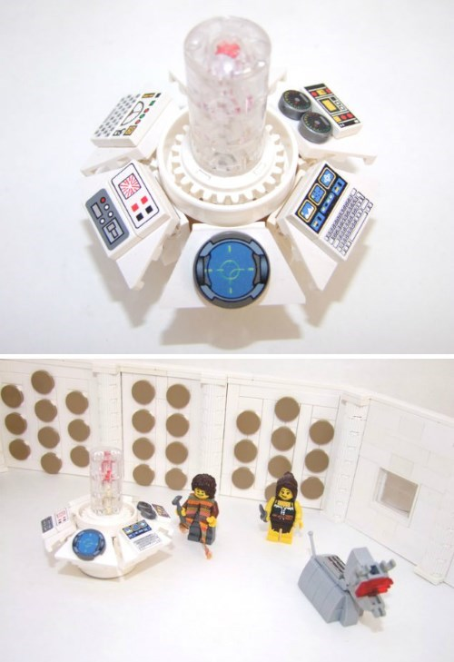 funny-doctor-who-classic-console-lego-set