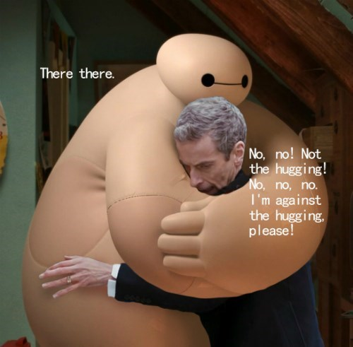 funny-doctor-who-twelve-meets-baymax-hugging