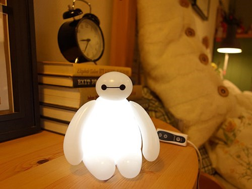 geeky merch baymax big hero 6 lamp