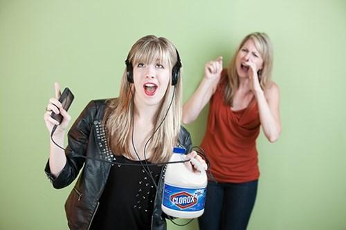 news-fail-parenting-poison-mother-iphone-taken-away