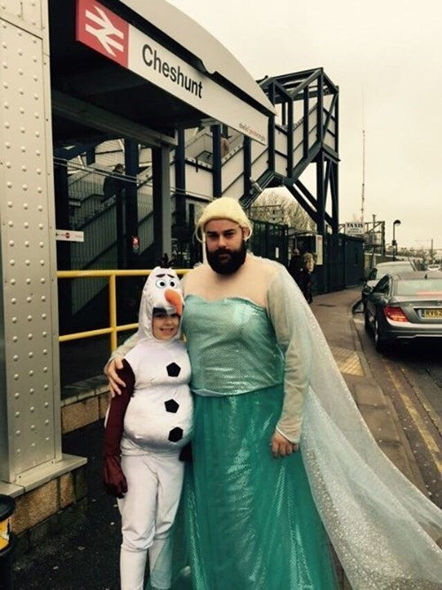 father daughter elsa olaf cosplay