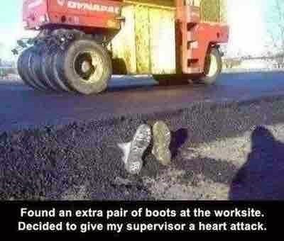 funny-work-pic-prank-boots-construction