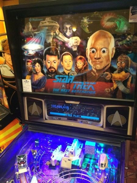 funny-win-pic-googly-eyes-star-trek-pinball