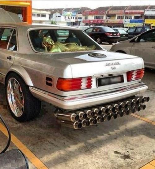 funny-fail-pic-car-muffler-diy