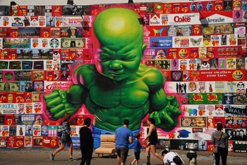 epic-win-pic-hulk-street-art