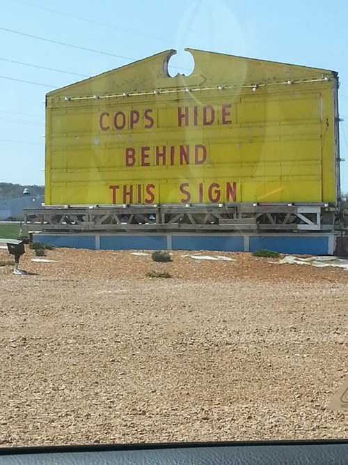 funny-sign-pic-cop