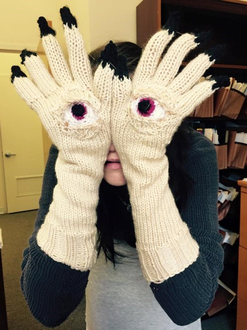 funny-fashion-pic-pans-labyrinth-gloves