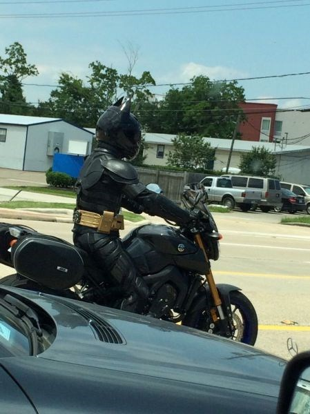 win-pic-batman-motorcycle-gear