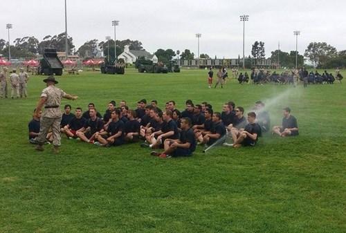 funny-fail-pic-sprinkler-army