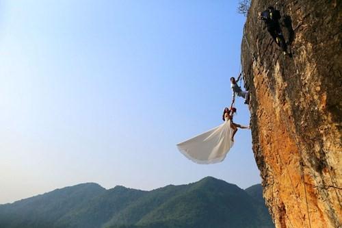wedding photos image James Bond Gets Married