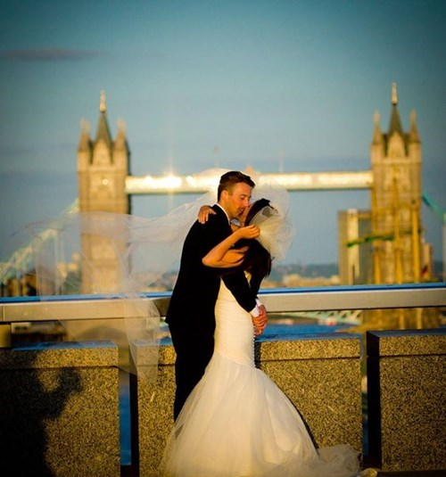 dating news wedding The Internet Watches as the Mystery of the London Bridge Wedding Photo Unfolds