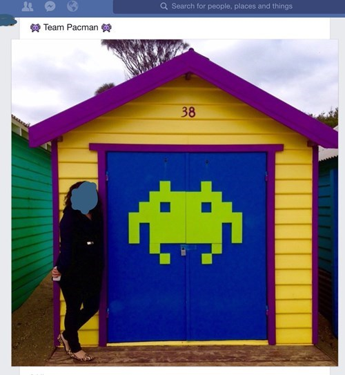 funny-facebook-fail-street-art-space-invaders