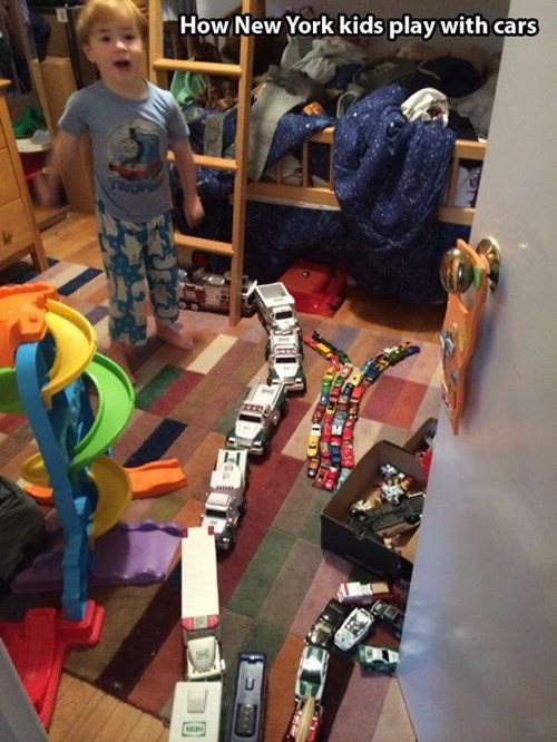 americana-new-york-kids-play-with-cars