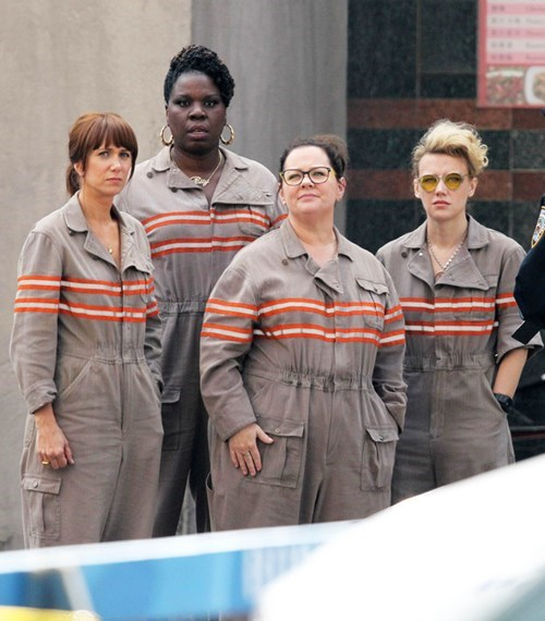 New Ghostbuster set pics show the ladies in uniform.