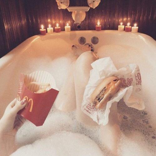 americana-bubble-bath-does-man-good