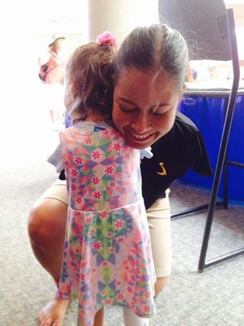 Jessica Cox arms pilot hug - 8543494144