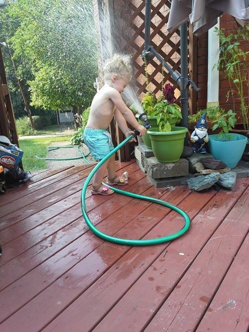 parenting-fails-sometimes-you-gotta-learn-the-wet-way