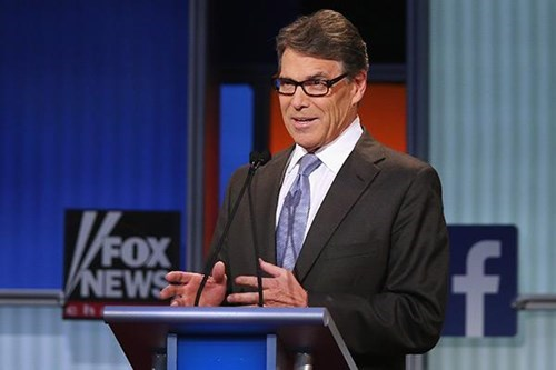 "Rick Perry accidentally says ""Ronald Raven"", the Internet reacts accordingly."