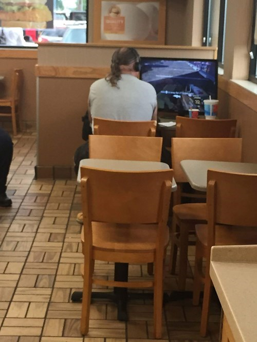 video-games-wifi-too-expensive-just-go-wendys