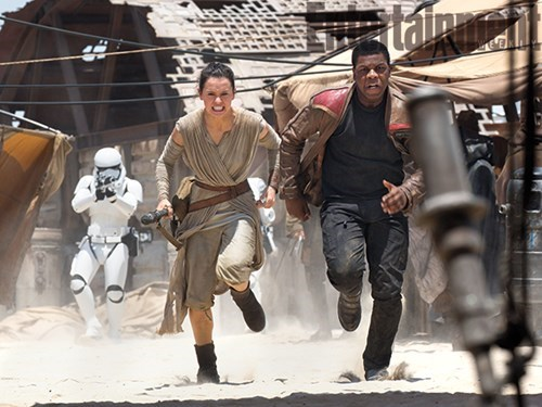 finn-boyega-and-rey-ridley-run-from-first-order-stormtroopers