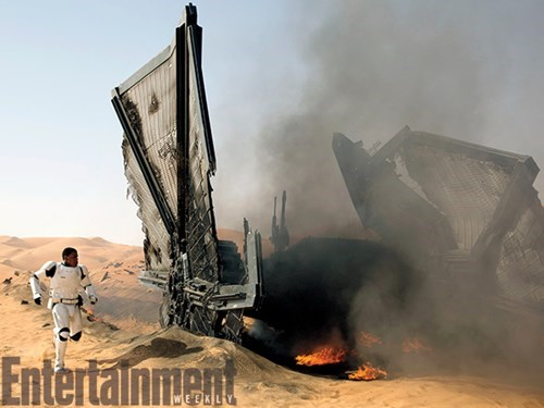 finn-escapes-a-tie-fighter-crash