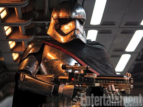 captain-phasma-christie-is-a-total-bamf