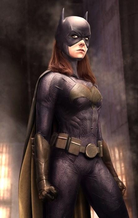 superheroes-batgirl-dc-jena-malone-concept-art