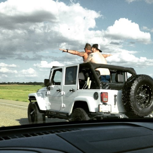 funny memes titanic bros jeep