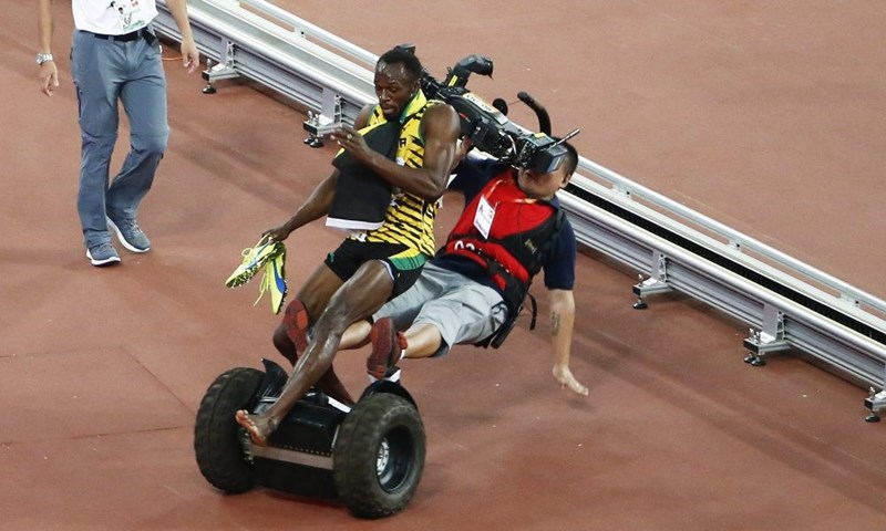 A Segway Defeats Usain Bolt Minutes After He Wins Another World Champtionship