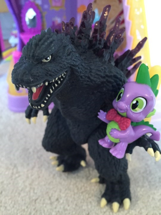 my-little-brony-godzilla-and-spike-zooky