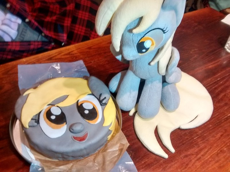 my-little-brony-that-cake-is-derpalicious