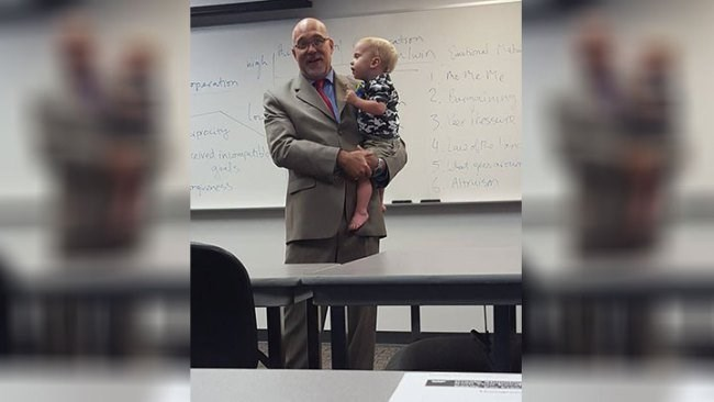 Single mom had to bring her child to class and the professor held him