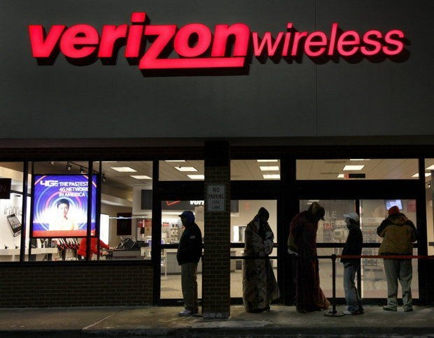 Couple from Oregon gets a $2 million Verizon cell phone bill.