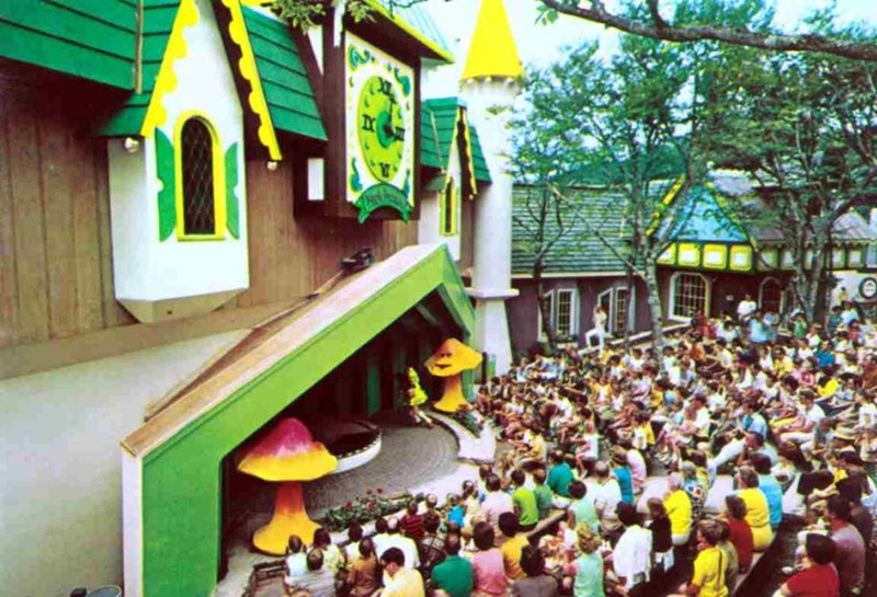 An abandoned Wizard of Oz theme park is now up for rent you lucky person.