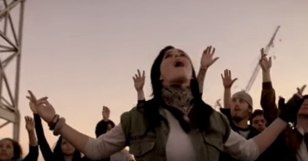 Revelation of the Day: Katy Perry Was Once The Backup Vocalist For P.O.D.