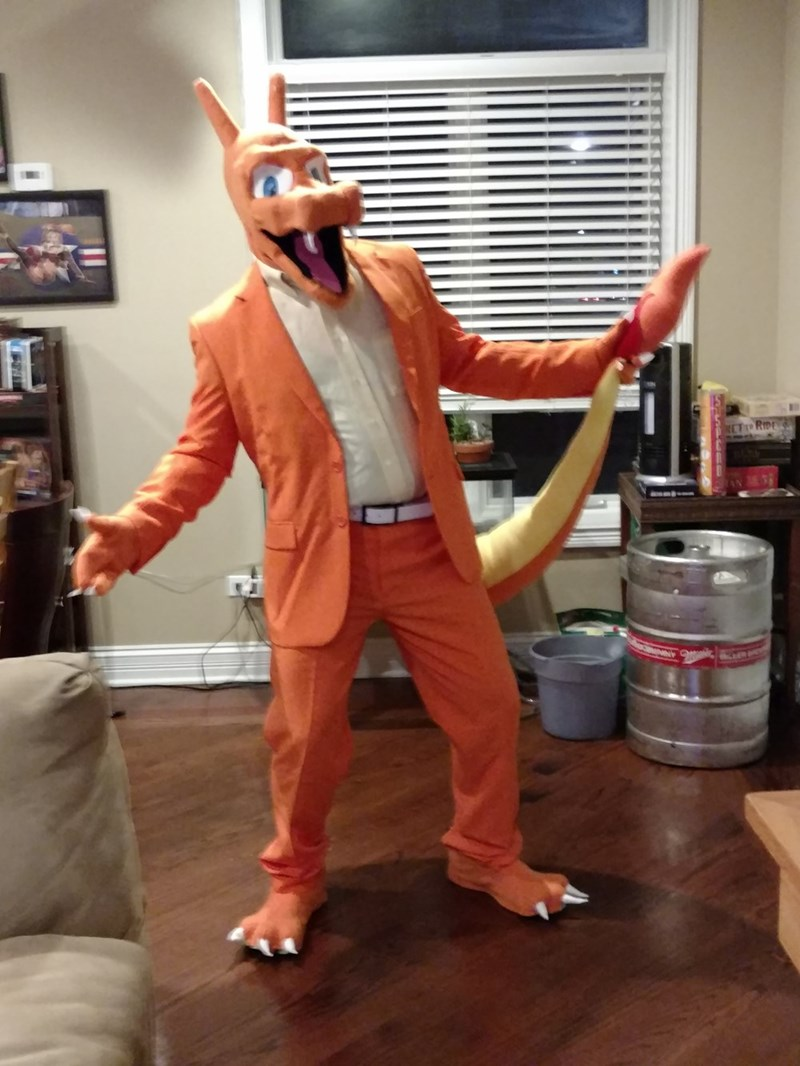 Look At This Guy S Awesome Charizard Halloween Costume Pokememes