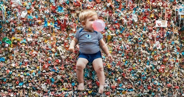 Cleanup of The Day: Over 1 Million Pieces to be Removed From Seattle's Gum Wall