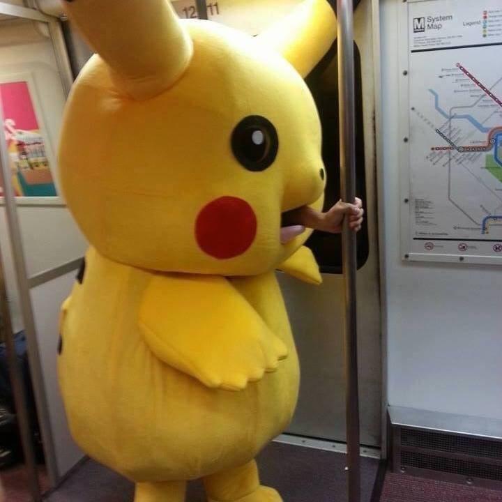 wtf cosplay pikachu - 8582802176