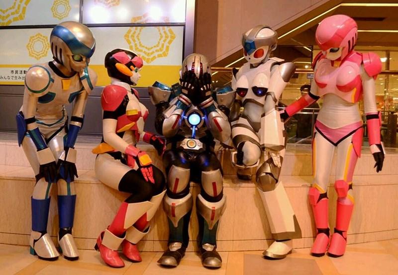 cosplay robots - 8583982592