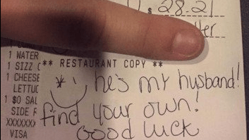 tips marriage A Woman Left a Mean Note for Her Server, Stole Her Last Pen and Didn't Even Leave a Tip
