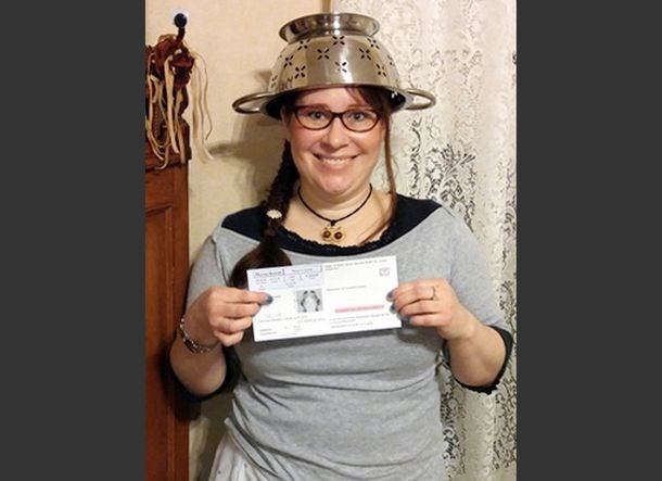 flying spaghetti monster drivers license A Woman Wore a Colander in Her Driver's License Photo to Express Her Pastafarian Beliefs