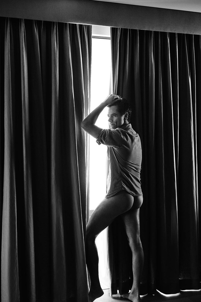 Full House actor John Stamos shows off naked butt in photoshoot